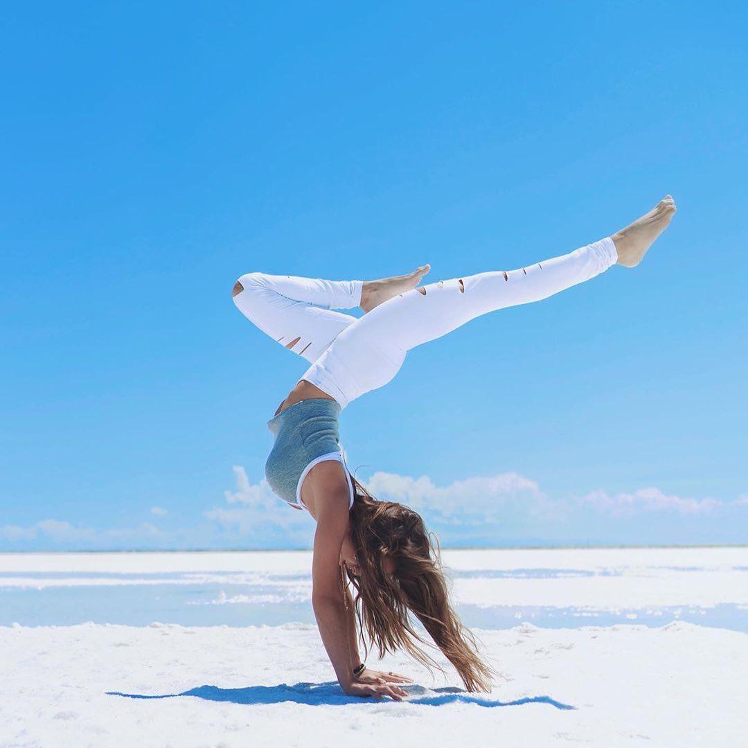 yoga_78830122_2429858587277951_801802057403817855_n.jpg